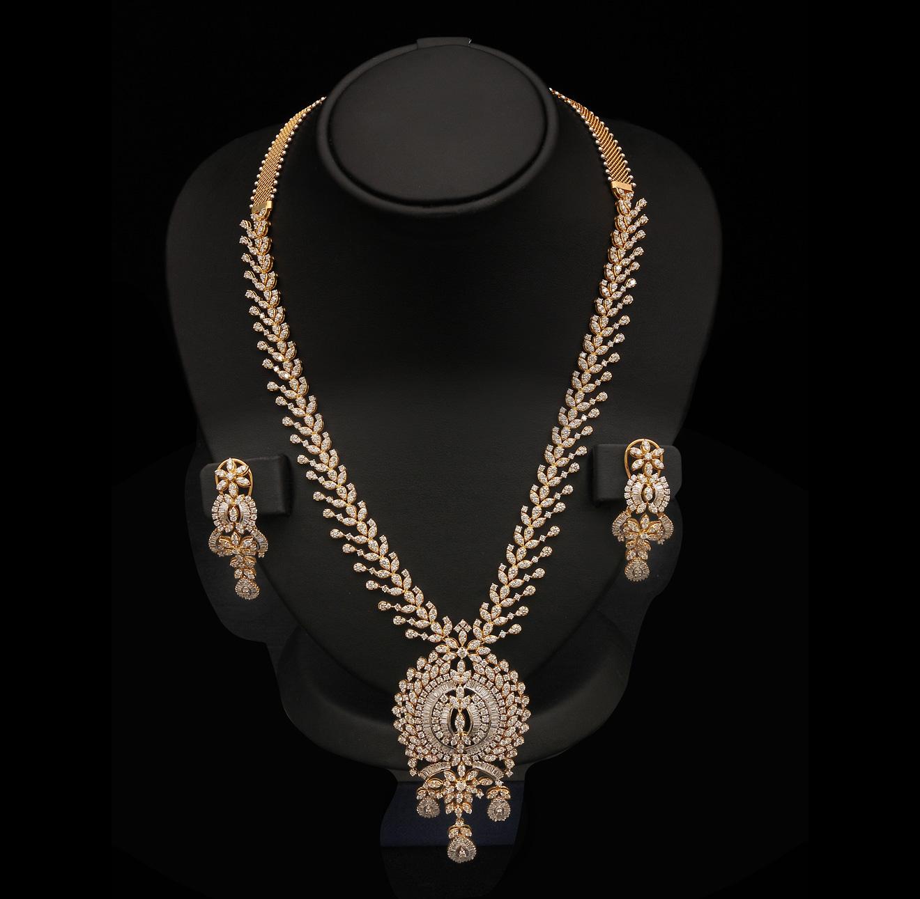 Gold And Diamond Jewellery Designs: Indian Diamond Bridal