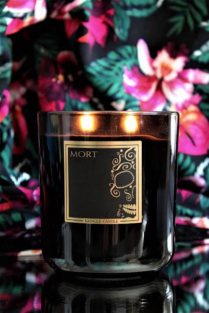 bougie parfumée kringle mort, kringle candle mort, bougies kringle, kringle candles, bougies, candles, american candles, bougie mort de kringle, bougie noire kringle, kringle candle avis, bougies kringle, kringle france