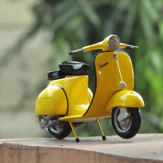 Toko Diecast Miniatur Motor Vespa Toko Diecast Miniatur Mainan