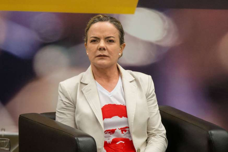 BBOZ0fv - 'Temos muita esperança de que Lula saia da prisão antes do Natal', diz Gleisi