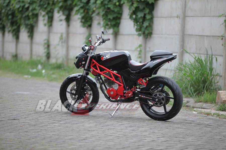Yamaha Scorpio Modifikasi ala Street Fighter