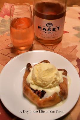 tart with wine