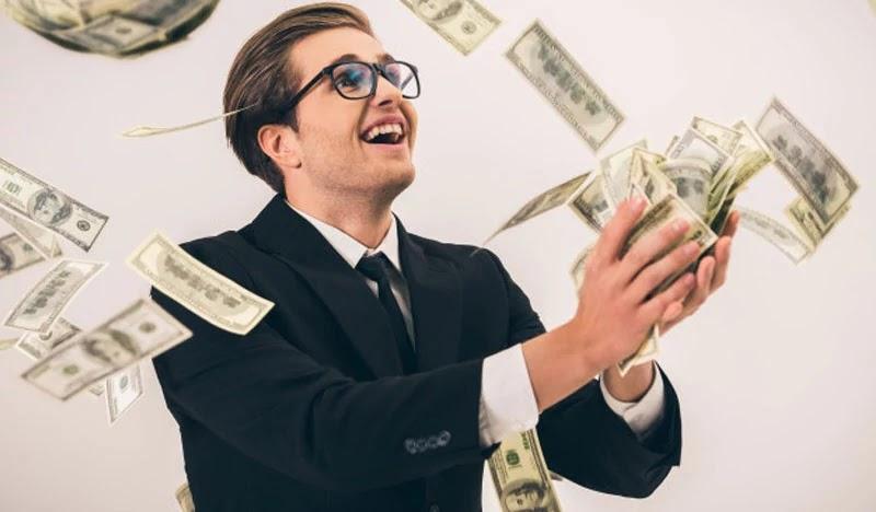 Orang Sukses Enggan Menghamburkan Uang Untuk 5 Hal Ini