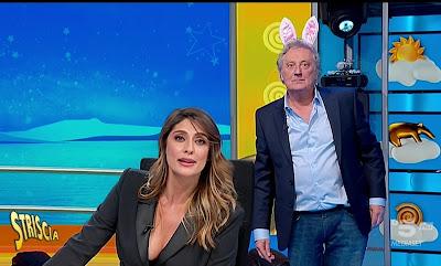 Elisa Isoardi ed Enzo Iacchetti striscia la notizia 21 gennaio