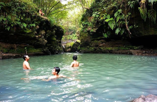 Berenang di Green Kayen