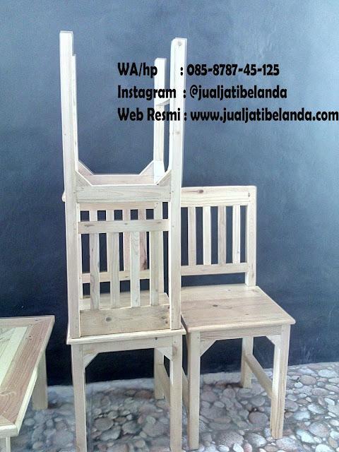 Produk Kursi dan Meja Bahan Kayu Jati Belanda