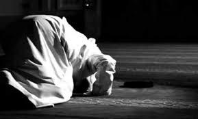 Allah Lebih Tahu Masalahmu, Jadikan Sabar dan Shalat Sebagai Penolongmu