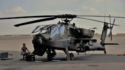Quân đội Hoa Kỳ cho nghỉ hưu hàng trăm trực thăng Apache AH-64D