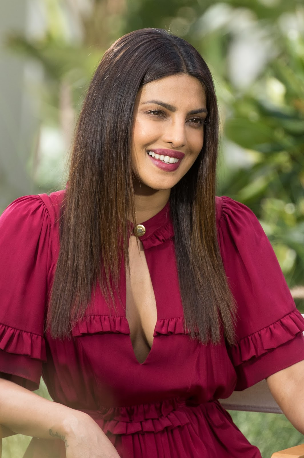 Priyanka Chopra Super Sexy Cleavage Show At Baywatch -3372