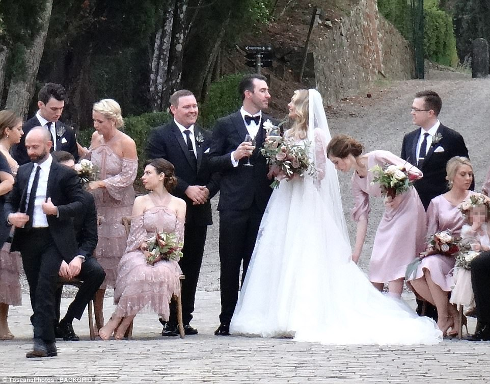 Kate Upton and Justin Verlander have tied the knot in a romantic ceremony in Montalcino, Italy