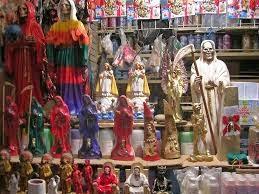 Sebuah tempat yang identik dengan perempuan dengan acara belanja untuk memenuhi kebutuhan  3 Pasar Yang Paling Aneh Di Dunia