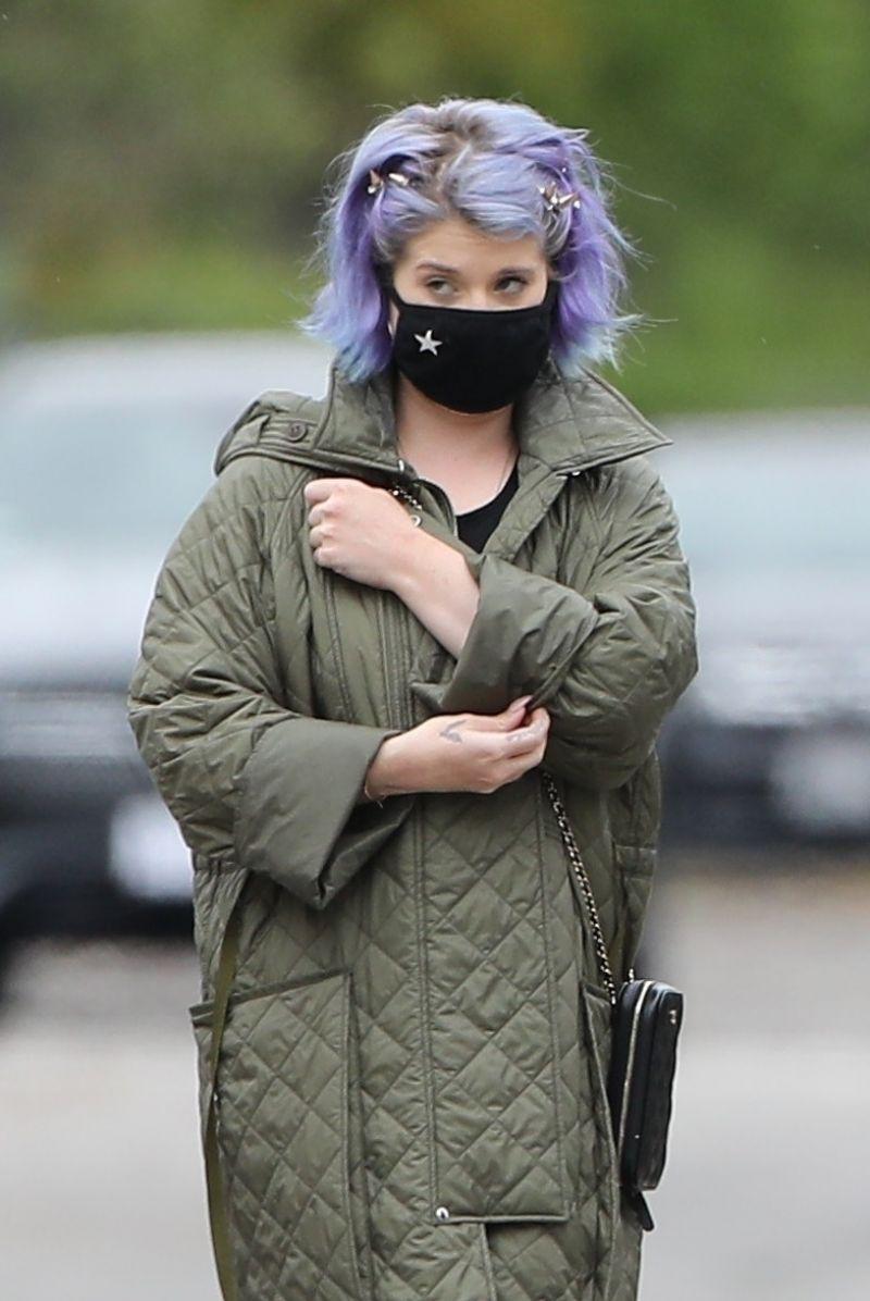 Kelly Osbourne  Wearing Mask Out in LA 11 Apr-2020
