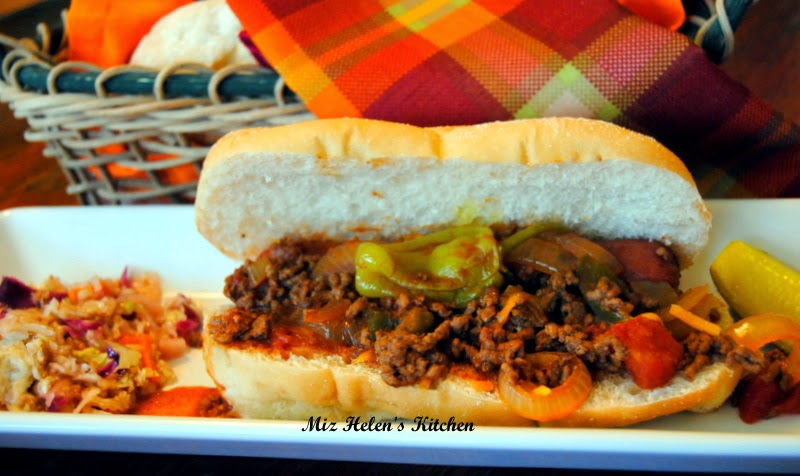 Slow Cooker Chili Dogs At Miz Helen's Country Cottage