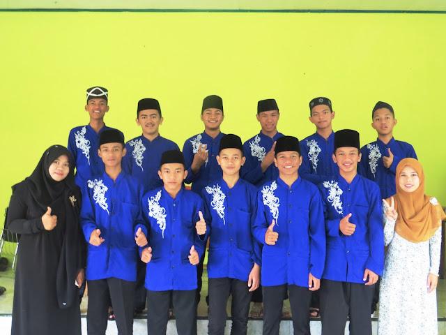 Photo bareng Guru + Marawis MA Nurul Huda