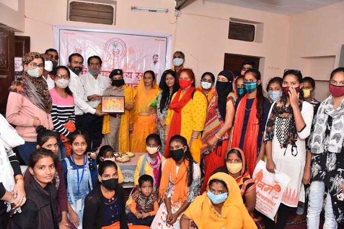 महर्षि मार्कण्डेय सुश्रुत सेवा संस्थान जयपुर द्वारा सिलाई मशीन वितरण कार्यक्रम आयोजित