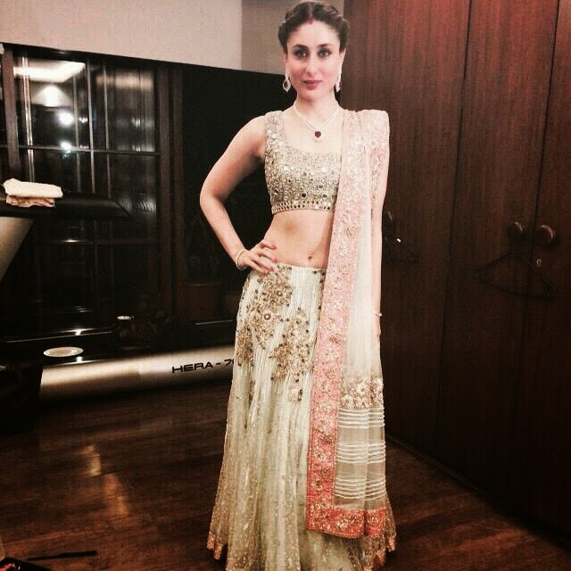 Kareena in Manish Malhotra - all set for sister in law Soha Ali Khan's wedding reception