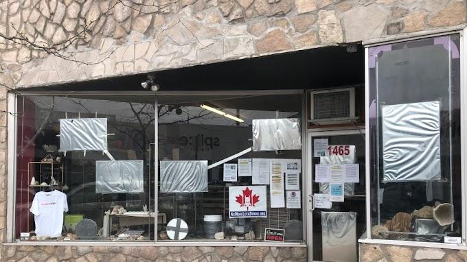 Kitiltották egy kanadai boltból a beoltott embereket