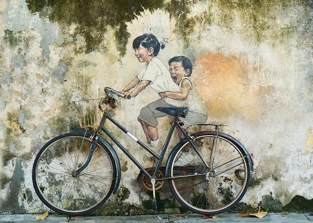 Pergi menggunakan sepeda