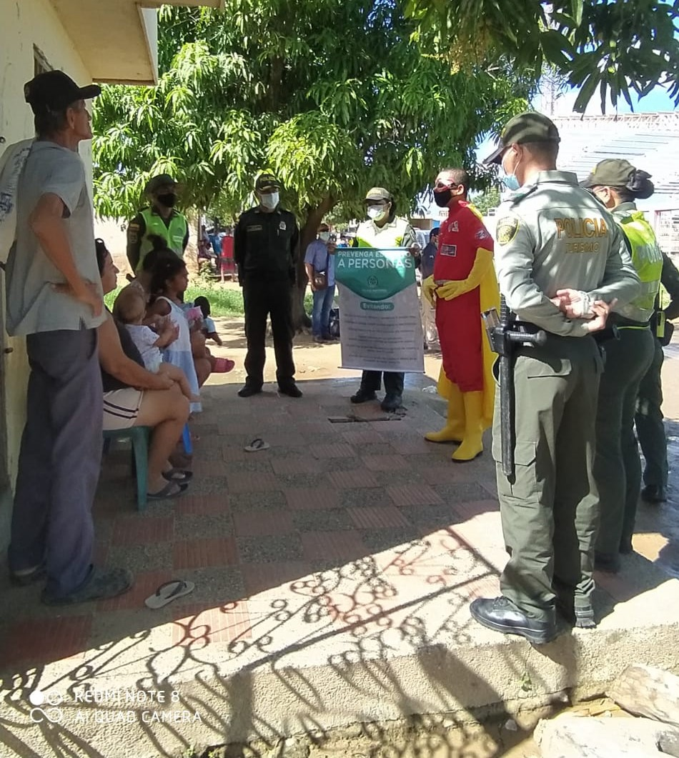 https://www.notasrosas.com/Policía Guajira 'Por unas Navidades Prosperas y Seguras', llegó al Barrio 31 de Octubre