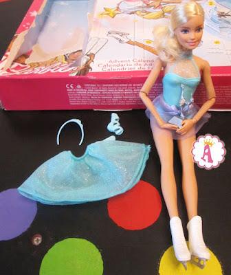 Кукла барби в коньках