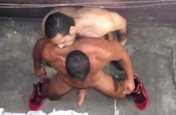 Birthday flagra de sexo entre homens MAS CHIMBA