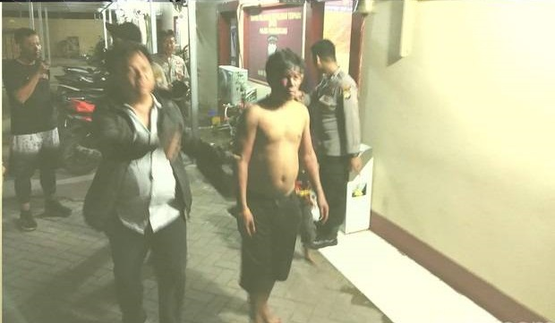 "Bawa Anak-Istri, Pemobil Teriak ""Kafir"" Tabrak Puluhan Pemotor di Makassar"