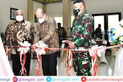 Keluarga Bung Karno Resmikan Patung Presiden Pertama Indonesia di Makorem 143/HO