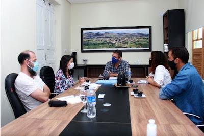 Prefeito de Piatã recebe coordenadora regional do (INEMA) Instituto do Meio Ambiente e Recursos Hídricos