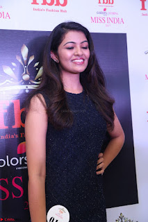Model Shreya Kamavarapu in Short Black Dress at FBB Miss India 2017 finalists 054.JPG
