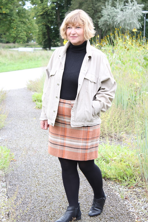 herbst-look-50plus-cord-und-wolle