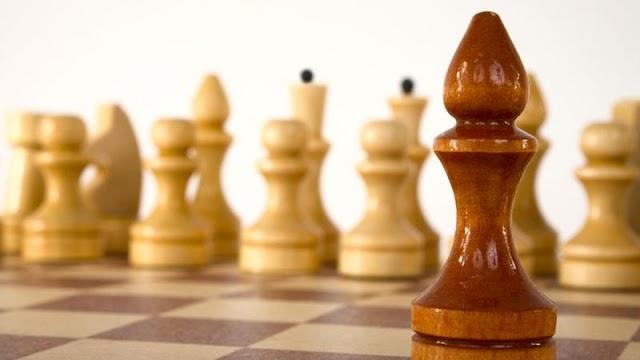 Hihetetlen gyorsasággal verte el ellenfeleit a sakk Eb-n a 17 éves Ádám