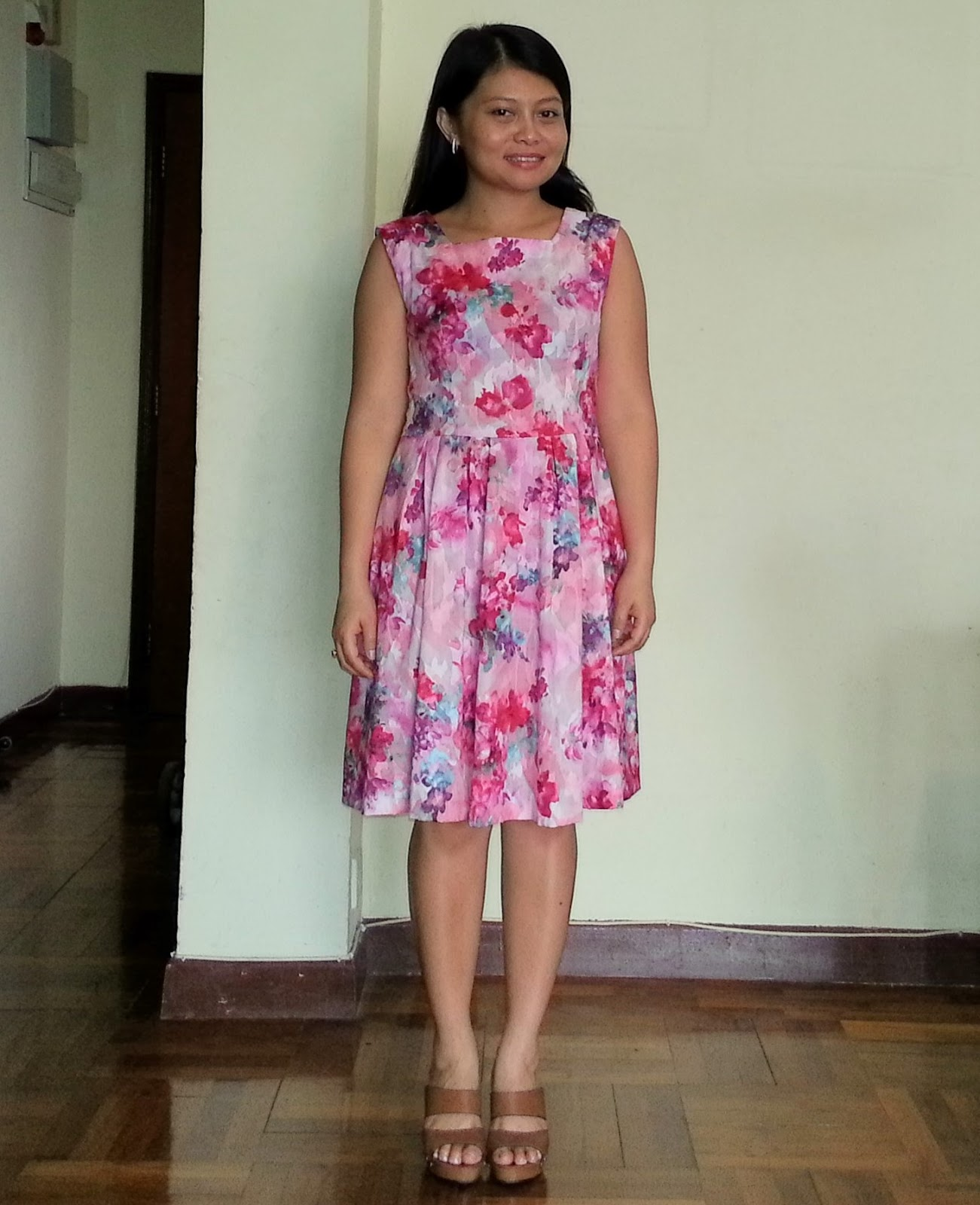 http://velvetribbonsew.blogspot.com/2013/03/floral-dress_19.html