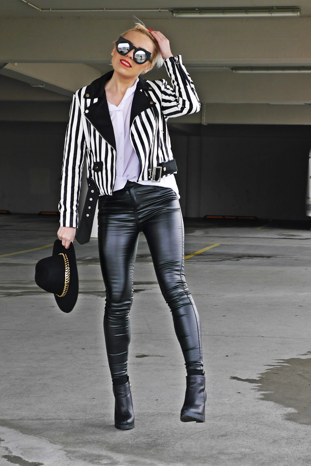 stripes_biker_jacket_leather_pants_karyn_blog_look_230317c