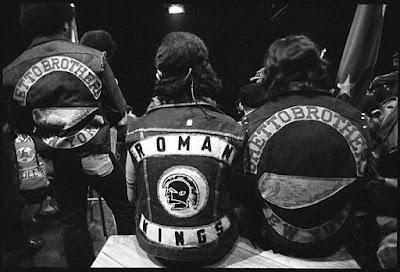 Miembros de Ghetto Brothers y Roman Kings en la reunión del Bronx