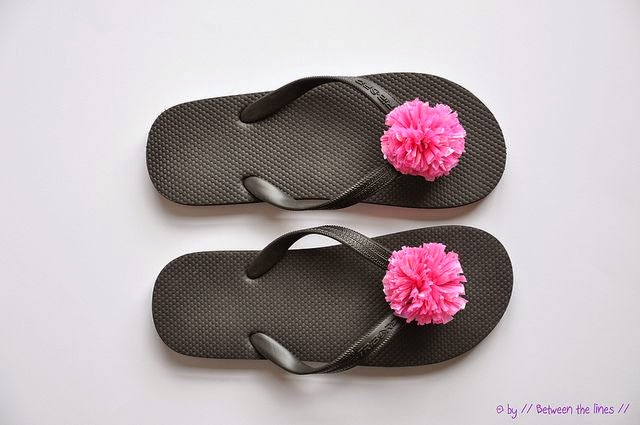 http://pm-betweenthelines.blogspot.com/2011/07/recycled-plastic-bag-pompom-flip-flops.html?utm_source=feedburner&utm_medium=email&utm_campaign=Feed:+blogspot/vrViF+%28/+Between+the+lines+/%29