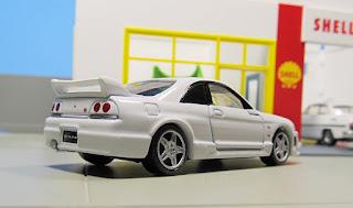 Tomica Premium Nissan   R33