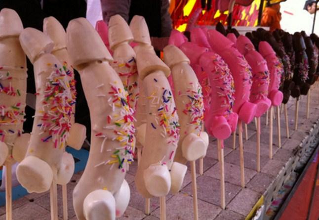 Lima Pesta Pora Paling Aneh Di Dunia yang Dilakukan di Masa Lampau