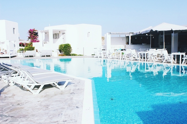 Best hotels in Paros with four and five stars