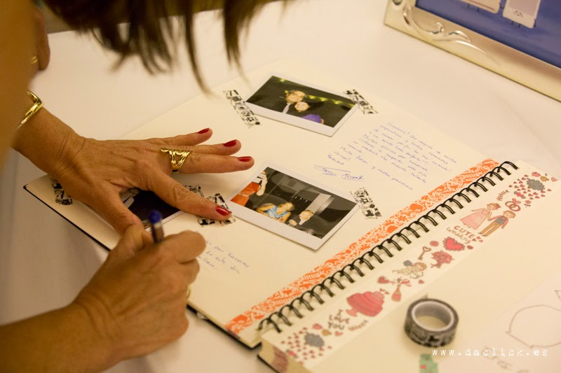 libro de firmas de boda con fotos polaroid