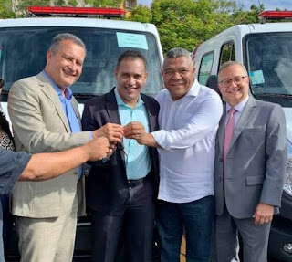 Itaetê recebe nova ambulância