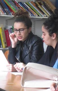 Les lycéens en séance de lecture de leurs textes