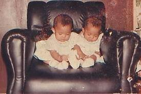 Nama Kami Kembar, Cuma Beda huruf N dan T Saja