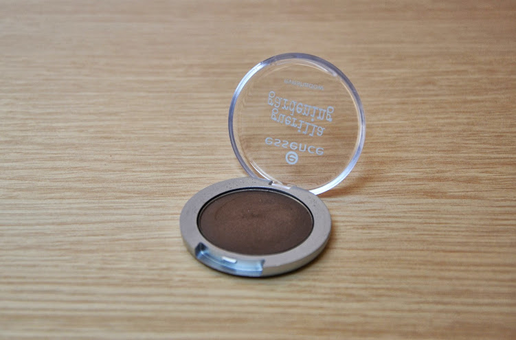 Review: Essence Eyeshadow in My Piece of Land