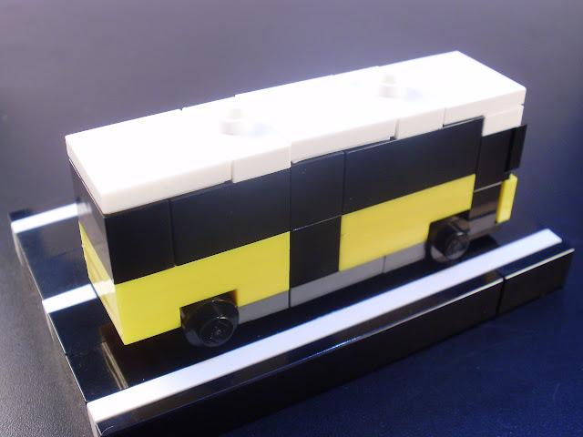 MOC LEGO autocarro da Carris em micro escala.