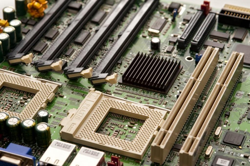 Apa itu Motherboard? Bagian Bagian dan Fungsi dari ...