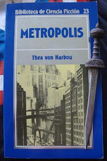 Portada del libro Metrópolis, de Thea von Harbou