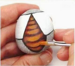 Cara Membuat Kerajinan Tangan Dari Barang Bekas, Kumbang Batu Lukis 4