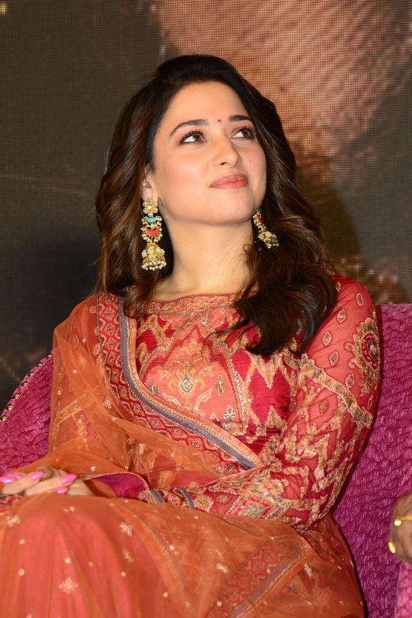 Actress Tamannaah Bhatia latest Images, tamanna hot