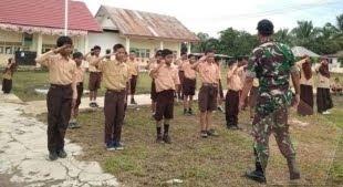 Latih PBB Siswa SD Termotivasi Ingin Menjadi Tentara