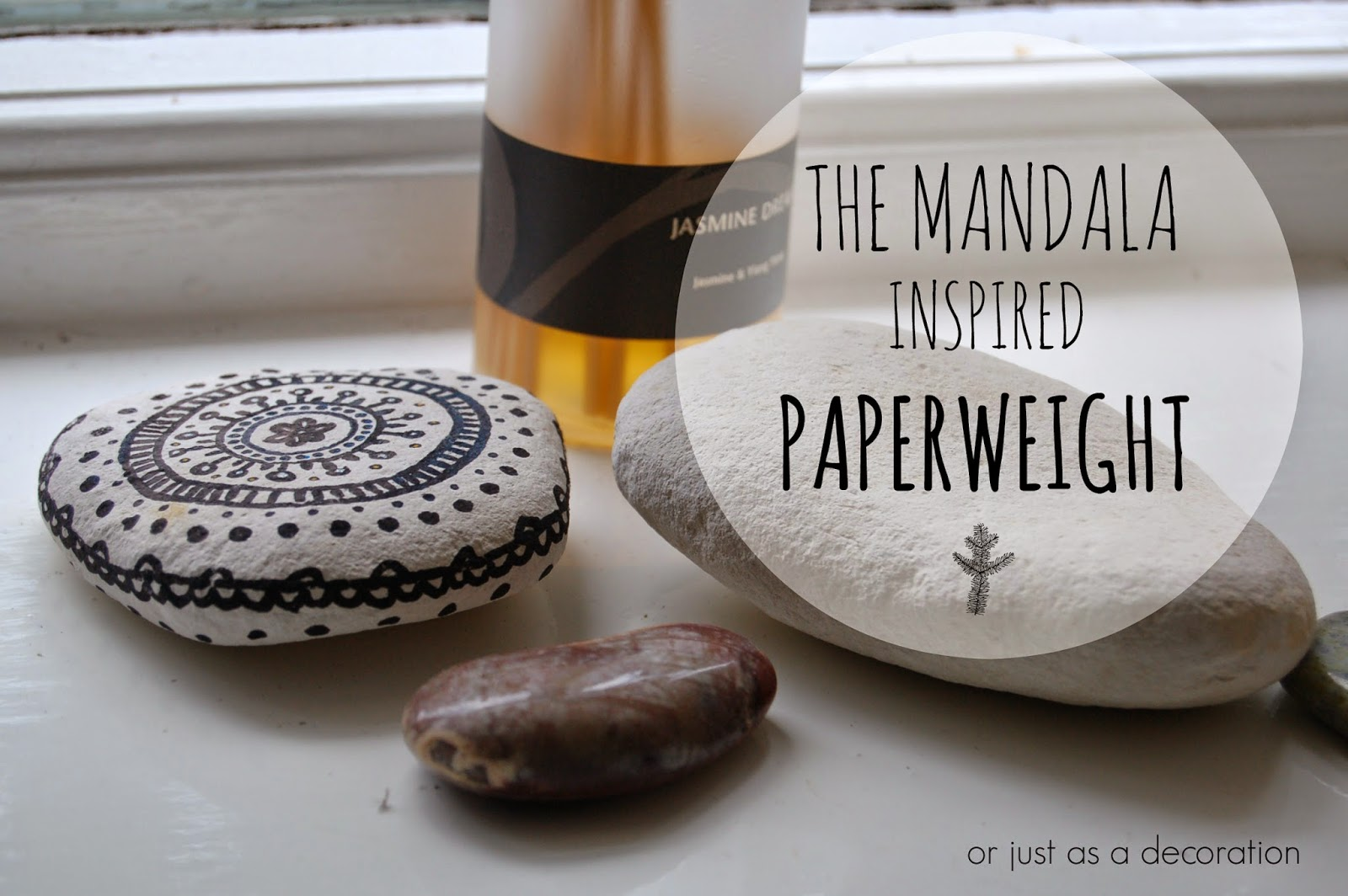 http://charnicola.blogspot.co.uk/2014/08/mandala-inspired-decorated-paper-weight.html